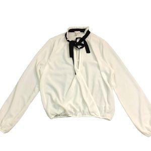 🍒3/$25🍒 BP Light Cream Tie Blouse Size Small